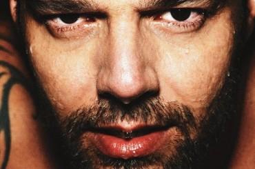 Ricky Martin BONO e bagnato su El Pais