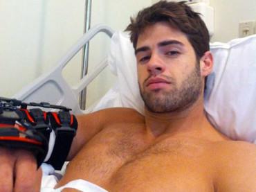 Chad White operato al gomito