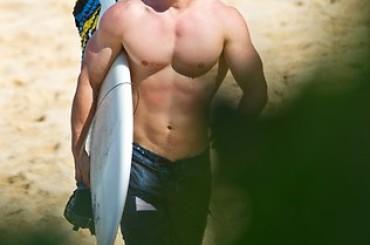 Chris Hemsworth gnocco alle Hawaii