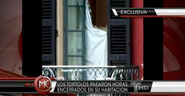 Gerard Piqué in boxer attillati se la spassa con Shakira: ecco video e foto!