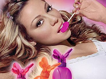 Mariah Carey arrovella chupa chupa per il nuovo profumo, Lollipop Splash the Remix