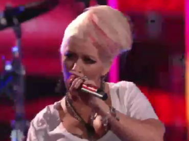 Maroon 5 feat. Christina Aguilera LIVE con MOVES LIKE JAGGER a The Voice
