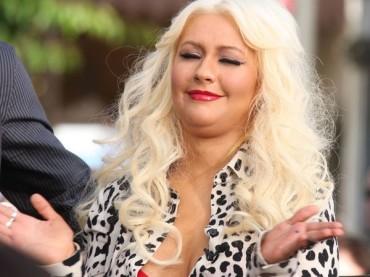 Doppio mento e cellulite per Christina Aguilera