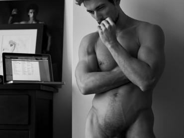 David Gandy completamente nudo per Mariano Vivanco: ecco le foto