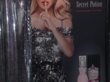 Christina Aguilera presenta SECRET POTION: ecco il suo nuovo profumo