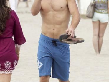 Trevor Donovan BONO sul set di 90210