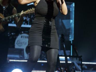 Laura Pausini NON è incinta: singolo in arrivo l'11 settembre