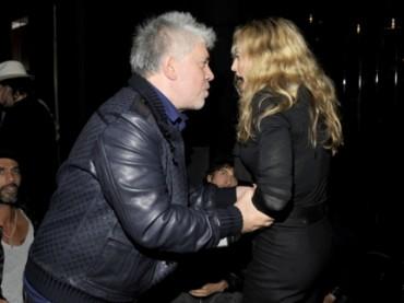 Madonna, Pedro Almodovar e la stretta di ferro