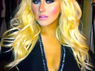 Christina Aguilera è una Barbie acchittata su Twitter