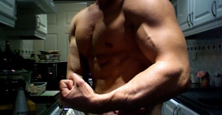 Mitch Hewer ha fatto i muscoli