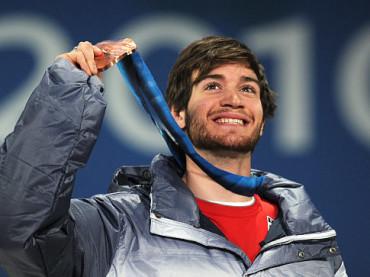 L'olimpionico Scotty Lago mostra le chiappe