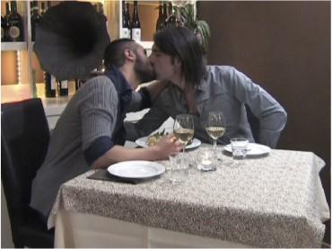 Made in Love: arriva il PRIMO bacio gay – le foto