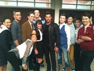 Ricky Martin sul set di GLEE: prime foto
