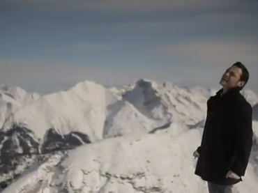 Video ufficiale per L'ultima notte al mondo di Tiziano Ferro
