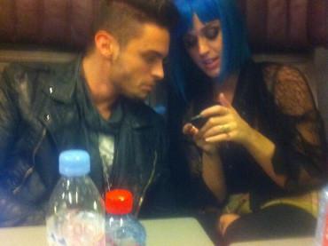 Katy Perry, Baptiste Giabiconi e l'immancabile controllatina a …