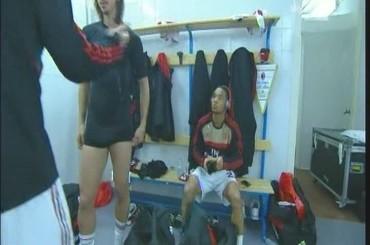Pacco in 'nero' per Zlatan Ibrahimovic – video dagli spogliatoi
