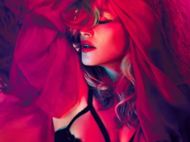 MDNA subito primo in Inghilterra: Madonna batte Elvis Presley