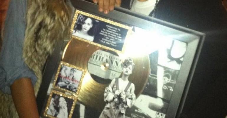 Talk That Talk di Rihanna arriva alle 500,000 copie negli States