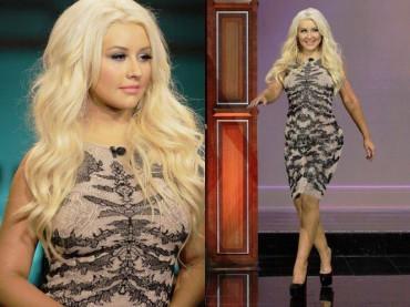 Christina Aguilera in formissina da Jay Leno