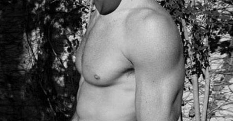 Trevor Donovan nudo su Cosmopolitan UK ed Us Weekly