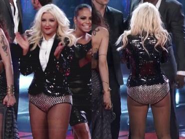 Christina Aguilera e l'ennesimo look sbagliato per la finale di The Voice 2