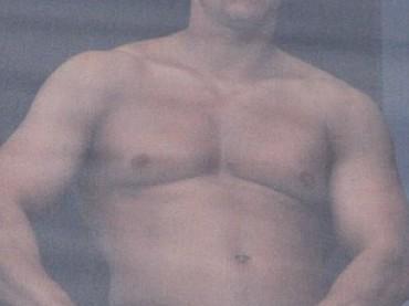 Mark Wahlberg di nuovo in mutande sul terrazzo