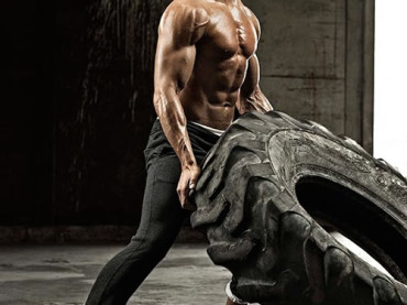 Joe Manganiello muscoloso per Men's Health UK