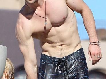 Chris Hemsworth e Joe Manganiello sempre più bagnati