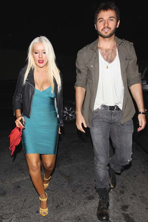 christina aguilera dating anyone He's the author of a global bestselling dating guide, love guru to the stars (christina aguilera and eva longoria giving dating tips to female friends.