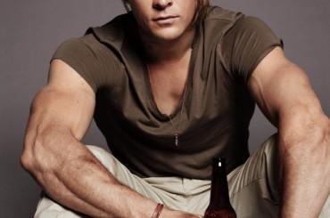 Chris Hemsworth è tanta roba su GQ