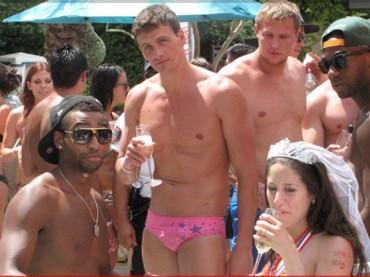 Ryan Lochte e lo slippino rosa
