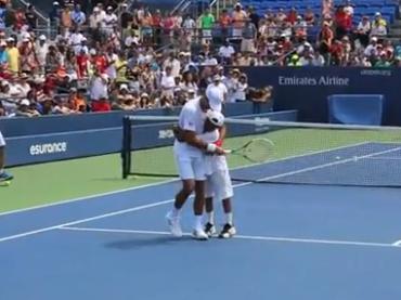 Proposta di matrimonio gay per Novak Djokovic – il video