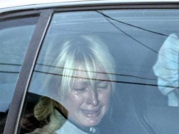 Paris Hilton chiede SCUSA ai gay: IO VI AMO