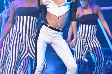 X-Factor Uk: Rylan Clark live con On The Floor/Please Don't Stop The Music