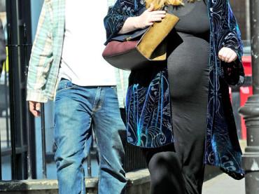 Adele ha partorito: è diventata madre mentre nascono nuovi record