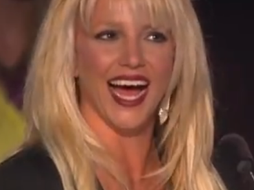 X-Factor Usa: la tredicenne Carly Rose canta Celine Dion