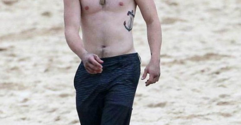 Josh Hutcherson nudo ed eccitato on line?