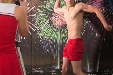 Tutti nudi in GLEE con la puntata dedicata al calendario sexy – foto e spot