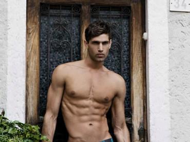 Fabio Mancini in slip per C-IN2 Underwear