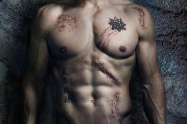 Stephen Amell di ARROW tutto nudo in Dante's Cove