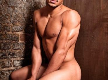 Ashley Mckenzie nudo su Gay Times: ecco le foto