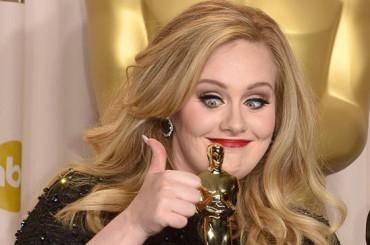 Incredibile Adele: 21 ancora vende – cade il muro degli 11 milioni di copie solo negli Usa