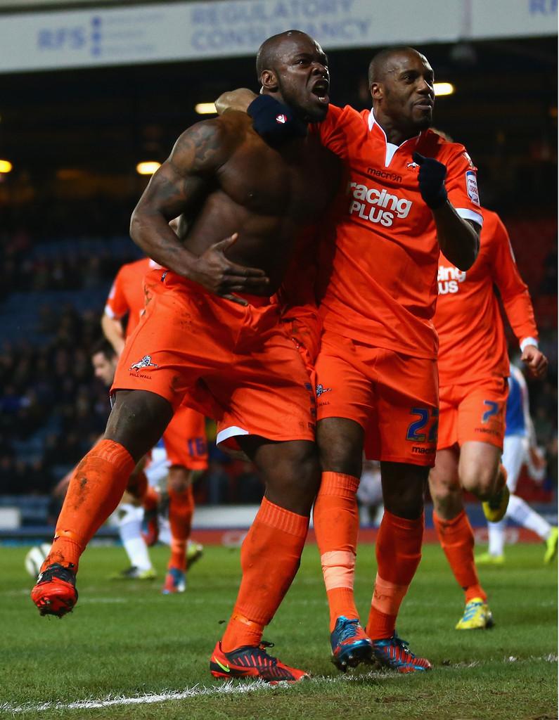 Danny Shittu Super Pacco Per Il Difensore Nigeriano Del Millwall Spetteguless