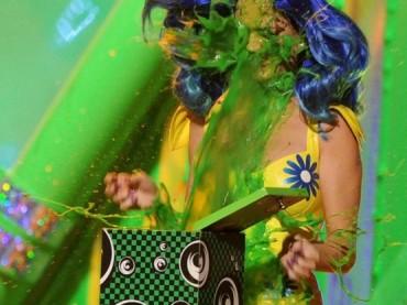 Kids Choice Awards 2013: Christina Aguilera feat. Pitbull con Feel This Moment