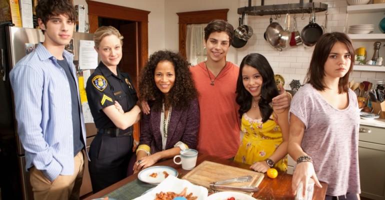 The Fosters: Jennifer Lopez porta in tv la 'normalità' dell'omosessualità