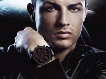 Cristiano Ronaldo PE GNENTE photoshoppato per gli orologi  Jacob & Co.