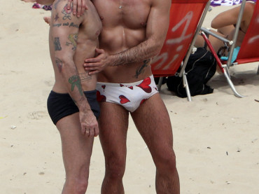 Marc Jacobs ed Harry Louis in vacanza in Brasile