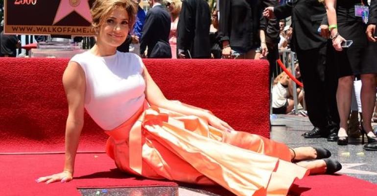 Walk of Fame per tutti: anche Jennifer Lopez ha la sua stella (la numero 2500)
