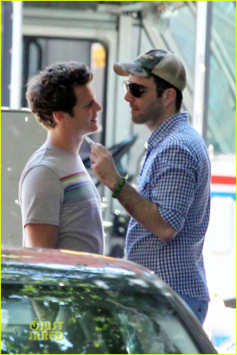 Zachary Quinto and  Glee  star boyfriend Jonathan Groff get close over    Jonathan Groff Boyfriend Zachary Quinto