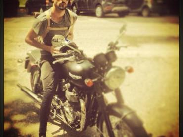 Marco Mengoni motociclista